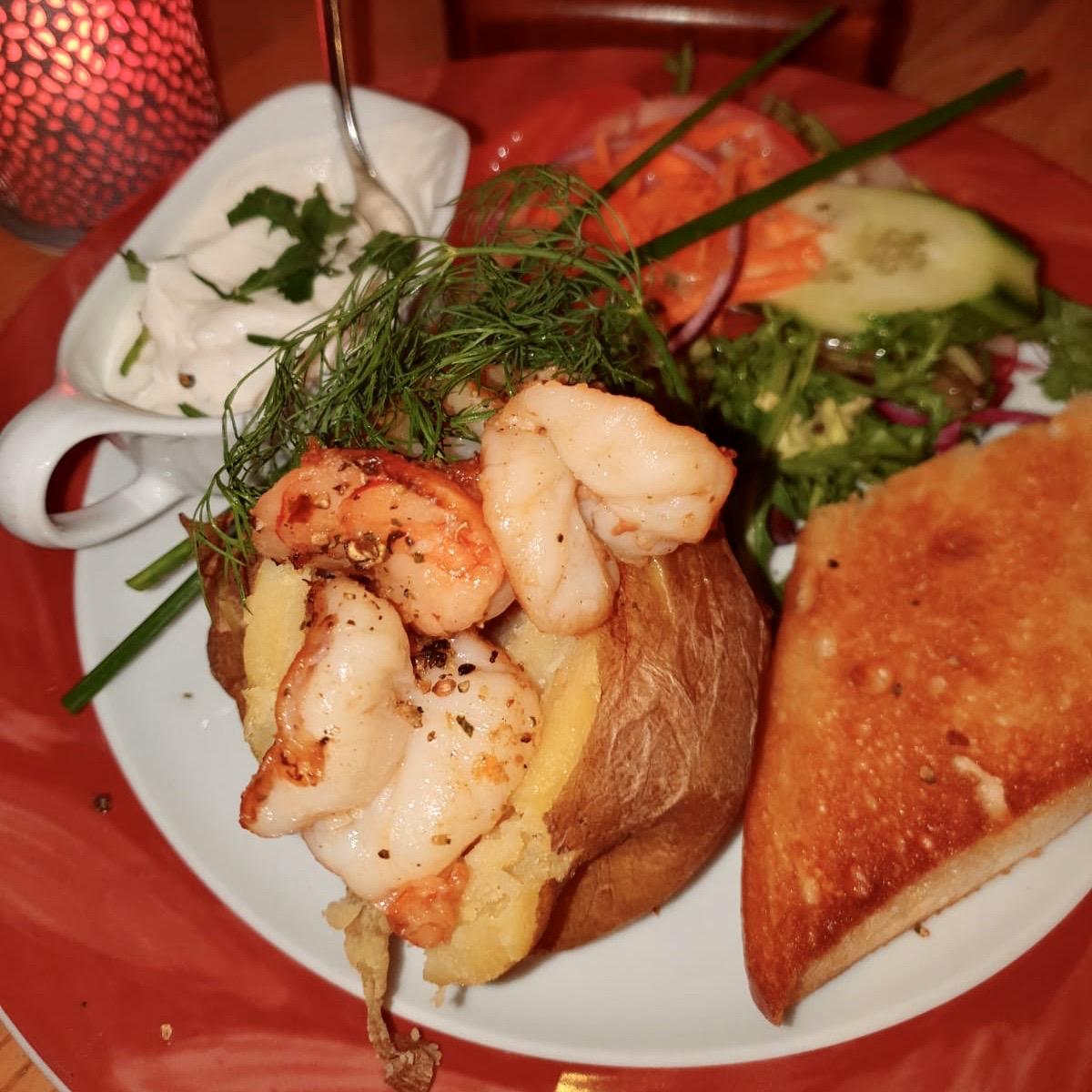 Eckstein-Restaurant-Eimsbüttel-Burger-Steaks-Fisch-Baked Potato Scampi