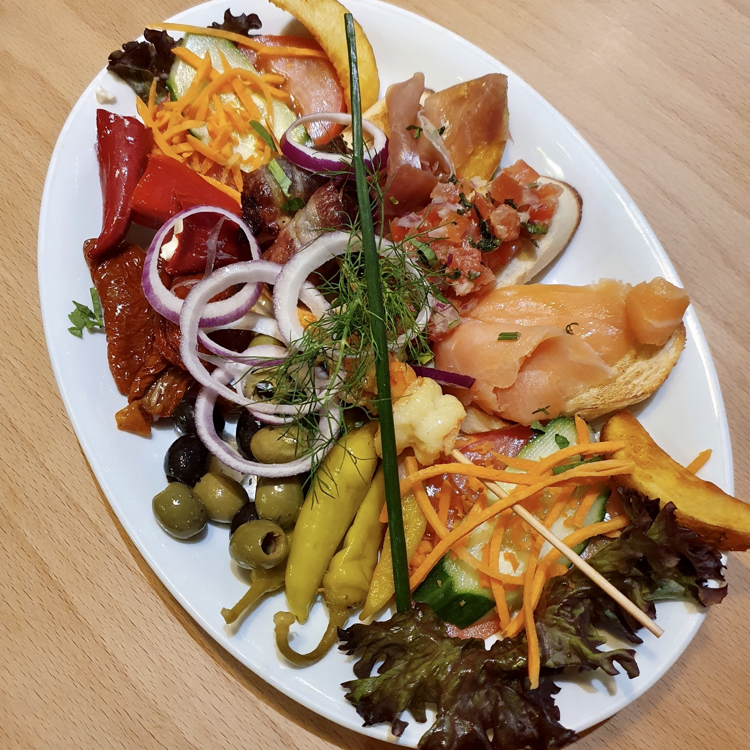 Eckstein-Restaurant-Eimsbüttel-Burger-Steaks-Fisch-Mixed Tapas