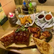 Eckstein-Restaurant-Eimsbüttel-Burger-Steaks-Fisch-Buffalo-Chicken-Wings-Spare-Ribs