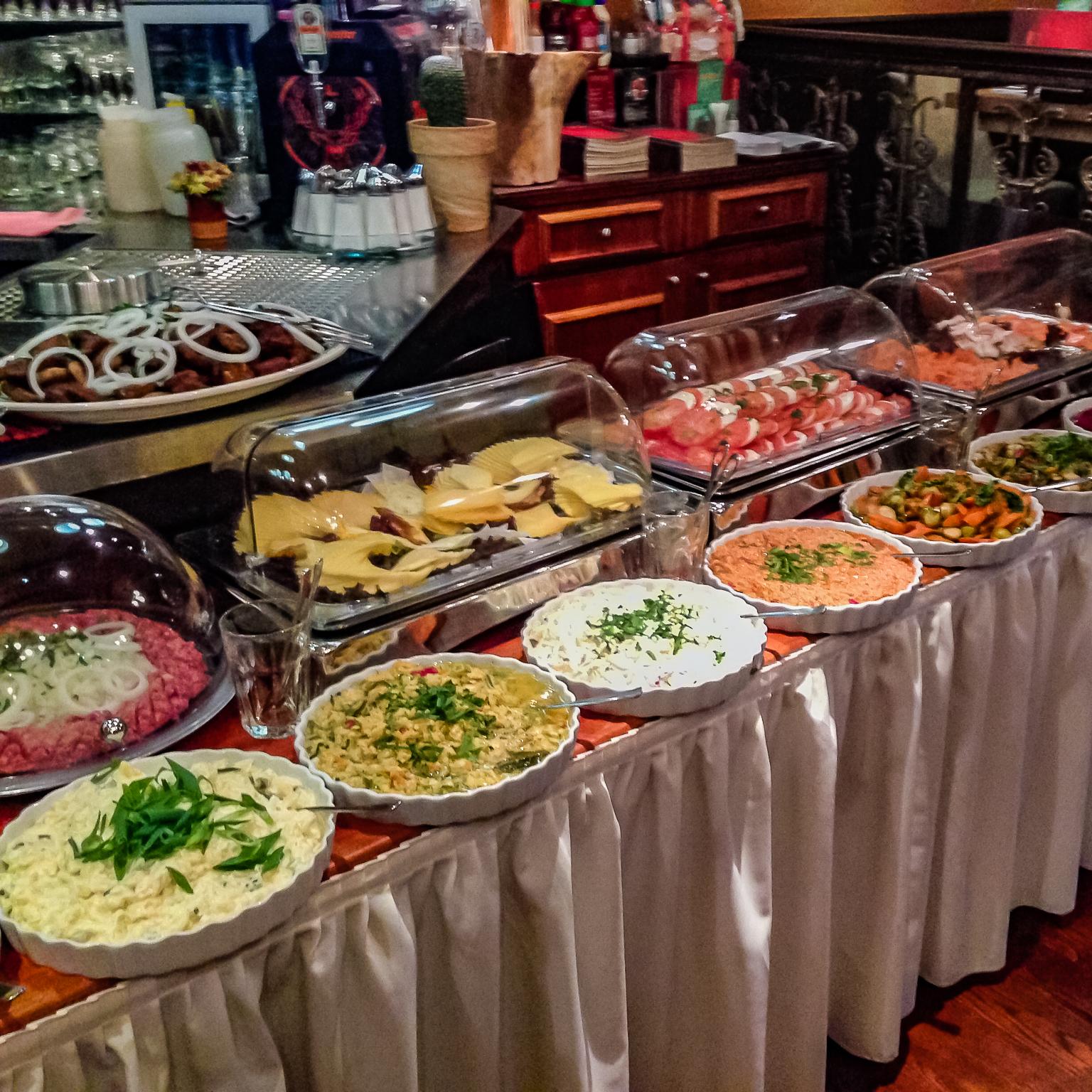 Eckstein-Restaurant-Eimsbüttel-Burger-Steaks-Fisch-Eckstein-Brunch-Buffet-salate